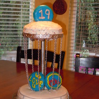 Disc Golf Basket Disc Golf Basket cake with cookies for discs.