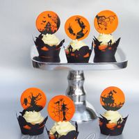 "Halloween Painted Cupcakes I made this for a class, painting on fondant.The first picture I also sent in for the contest ""hand painted Halloween competition..."