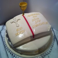 First Communion Cake Chalice is all made out of gumpaste spray painted in edible color gold.