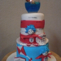 Cat In The Hat Theme Cake