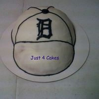 Detroit Tigers Hat First time making a hat. Cake is done in buttercream and accents are royal icing.
