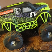 Grave Digger Thanks to 'My Cake School' for the awesome tutorial and 'Not your average cake' for the inspiration! Choc/Choc. My...