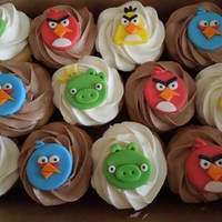Angry Birds Cupcakes Angry Birds Cupcakes - Vanilla & Chocolate cupcakes with vanilla or chocolate buttercream and custom made fondant toppers