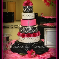 Hot Pink, Black/white Damask Wedding Cake   Thank you to tcakes65 for the inspiration of this cake. Bride loved the way that this turned out.