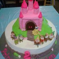 Snow White And 7 Dwarfs Castle Cake Castle cake with Snow White figurines