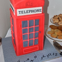 London Telephone Box  chokolate cake with toblerone/daim and strawberry filling and Islandic buttercreme. Covered in fondant. Inside there is hidden a londontrip...