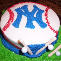 New York Yankees White pound cake with bc and plastic bats