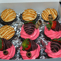 Caramel And Strawberry Chocolate Cupcakes Caramel and Strawberry Chocolate cupcakes