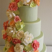 Cascading Flowers design by Pink Cake Box. All edible