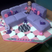 Bratz Sofa   sofa made entirely of cake with gumpaste handbags, hats and shoes
