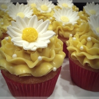 Summer Daisies Lemondade cupcakes with Lemon SMBC, fondant flower. TFL