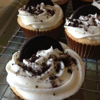 Oreo Cupcakes Vanilla cake with an oreo bottom, vanilla buttercream and oreo crumb topping. Probably too rich for my tastes and will find a different...