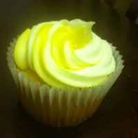 Lemonade Cupcakes! Lemonade cupcakes with a creamy, lemonade cream cheese frosting.