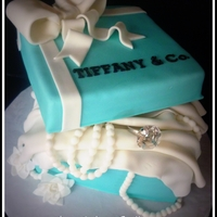 """tiffany Ring Box"" Engagement Cake"