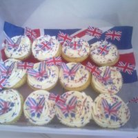 1317514745.jpg The Royal wedding party cakes