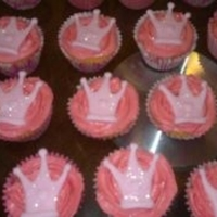 1322580066.jpg   Princess cupcakes made for Sophies party
