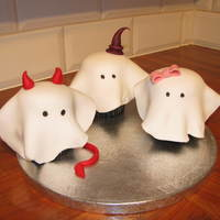 Halloween Mini Cakes These are for my family tomorrow, husband and two daughter's... can you guess which is which lol