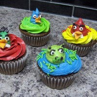 Angry Birds Cupcakes   All buttercream
