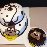 Monkey Maham I love the look of the oval cakes so wanted to try it again. Thanks for the cakester that posted a monkey hanging cuz that was a great idea...
