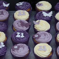 Butterfly And Flower Cupcakes   Purple lilac butterflies, flowers and daisies