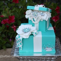 Tiffany Blue Gift Box All edible Thank you Mr. Nocholas Lodge for such beautiful design.