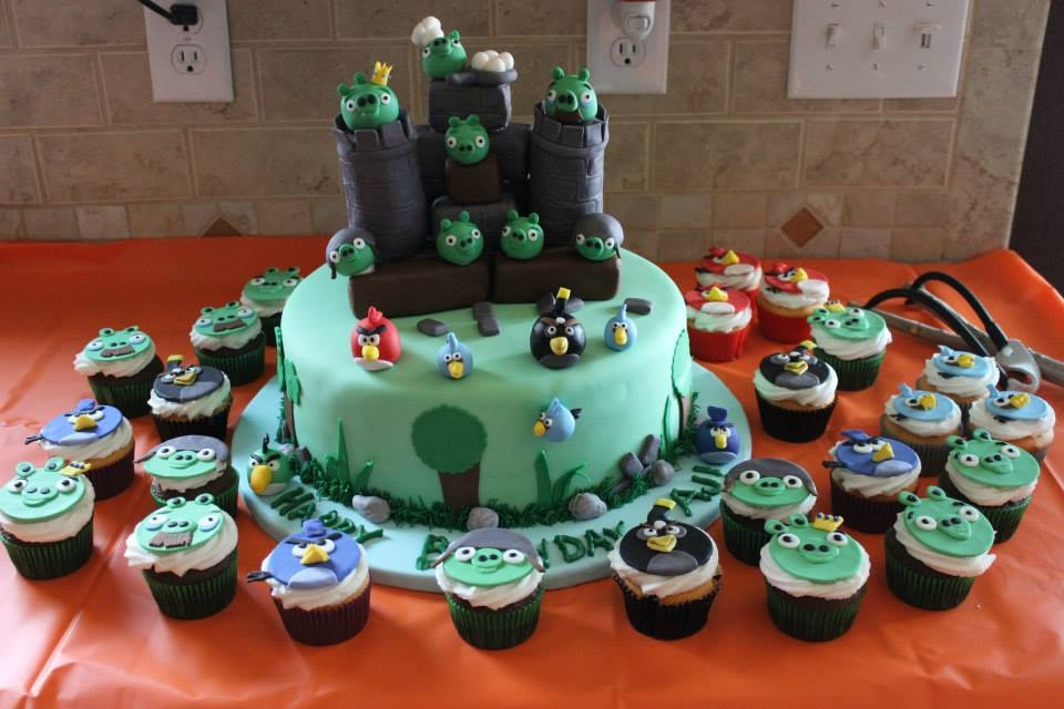 Angry Birds Fondant Birds And Cupcake Tops Rk Castle   Angry birds Fondant birds and cupcake tops, RK castle