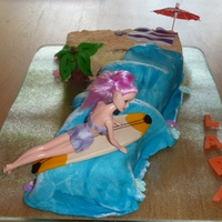Surfing Girl Nr. Seven Made of marzipan