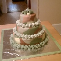 Camo Wedding Camouflage cake for an all camo country wedding! 75 fondant roses