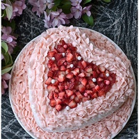 Pink Velvet Heart Cake A great and simple cake for Valentine's day or Mother's day. It's a pink velvet cake (made from scratch), filled with a non-...