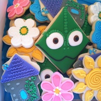 Tangled Themed Cookies This design is from Sweet Sugarbelle, she is amazing and such an inspiration! I love her tutorials.
