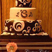 Retro Circle Wedding Cake