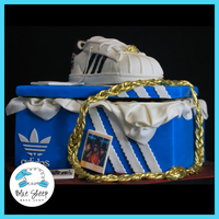 Addidas Shoe Cake Both the shoe and the shoe box are cake!