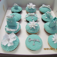 Tifanny & Co Cupcakes   My first Tiffany cupcakes