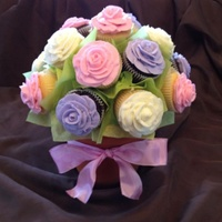 These Cupcake Bouquet Roses Were Made As Center Pieces For A Bridal Shower These cupcake bouquet roses were made as center pieces for a bridal shower