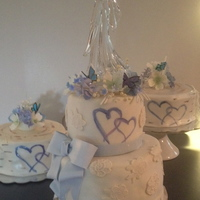 Wedding Cake Round White ,hydrangea, Butterflies, Purple, Hearts AppleMark