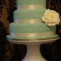 Pearl Wedding Cake Sage Green