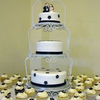 3 Tier Wedding Cake And Matching Cupcakes