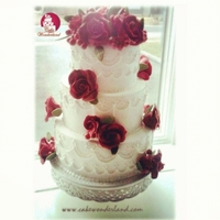 Red Roses Red sugar roses and lots of piping work :)