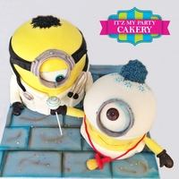 Doctor With Baby Minion These cakes were made for Newly Graduated OB/GYN doctors for their celebration!