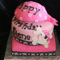 Pink Pirate White cake with lemon custard filling, cream cheese filling. The birthday girl had this theme so I used the napkin as a the design. Super...