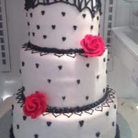 Black & White With Red Roses Sweet 16 Cake *Sweet 16 Cake