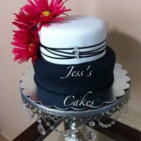Jess's Cakes Black and white