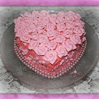 Pink Rose Cake   many pink roses on a cake