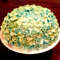 Turquoise And Gold Cake Filled With Pistachio Cream Turquoise and gold cake, filled with pistachio cream.