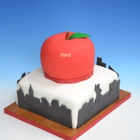 Ny, The Big Apple top tier is vanilla cake w/ vanilla buttercream, bottom tier is choc cake w/ vanilla buttercream.
