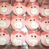 Pigs - Strawberry Cupcakes With Strawberry Buttercream!