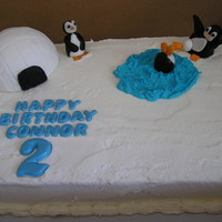 Penguin Cake My first ry with gumpaste figures.