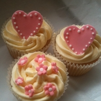 Heart Cupcakes Vanilla sponge and Butter cream and cream cheese frosting