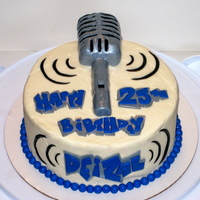 Retro Microphone Birthday Cake The request was for someone's boyfriend's 25th birthday. He is a rapper by the name Deizal.