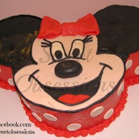 Minnie Mouse Cake   Swiss Merigue with Fondant